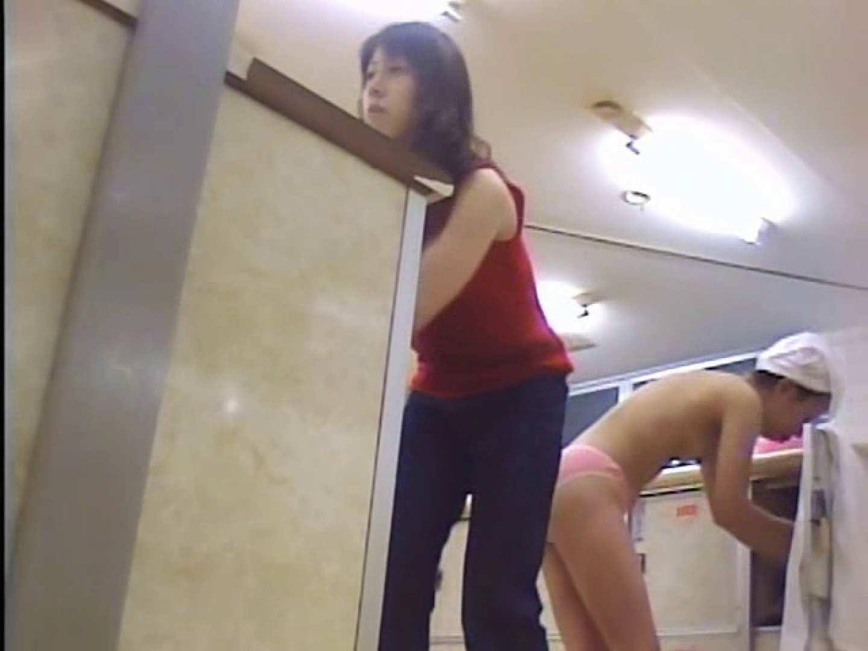 浴場潜入脱衣の瞬間!第一弾 vol.2 着替え 隠し撮りセックス画像 63PICs 4