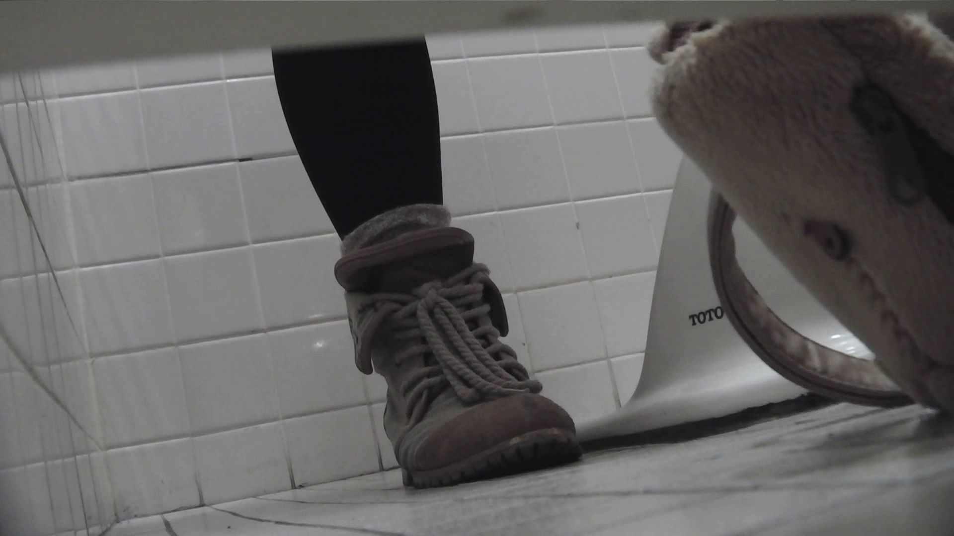 vol.08 命がけ潜伏洗面所! 黒ストッキングが流行りです。 潜入   OLエロ画像  92PICs 9