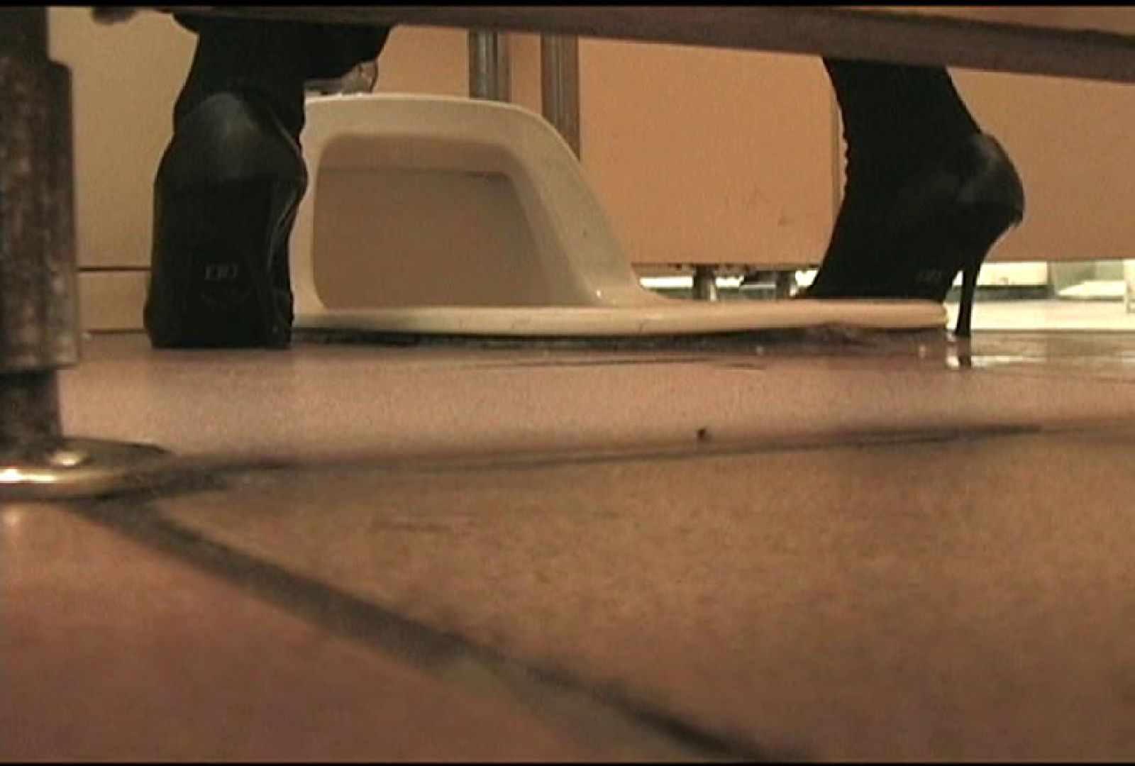 マンコ丸見え女子洗面所Vol.50 OLエロ画像 のぞきエロ無料画像 49PICs 12