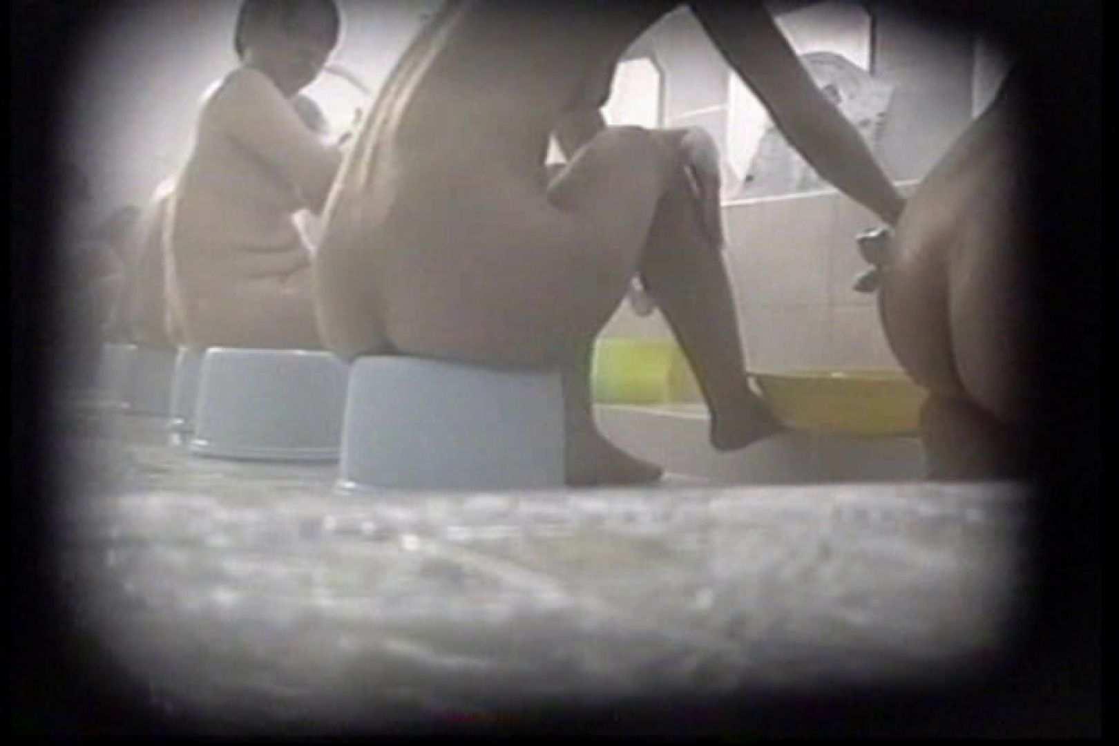 洗面器にカメラを仕込んで洗い場内を移動盗撮 TK-131 裸体  93PICs 14