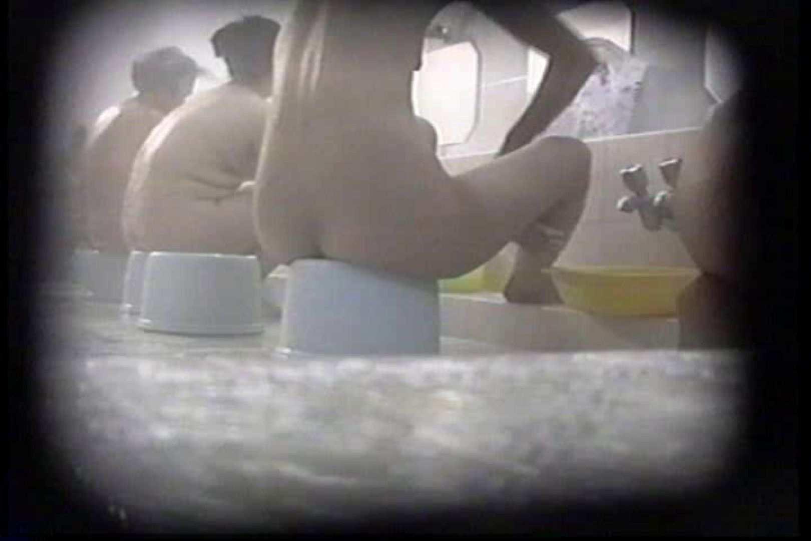 洗面器にカメラを仕込んで洗い場内を移動盗撮 TK-131 裸体  93PICs 16